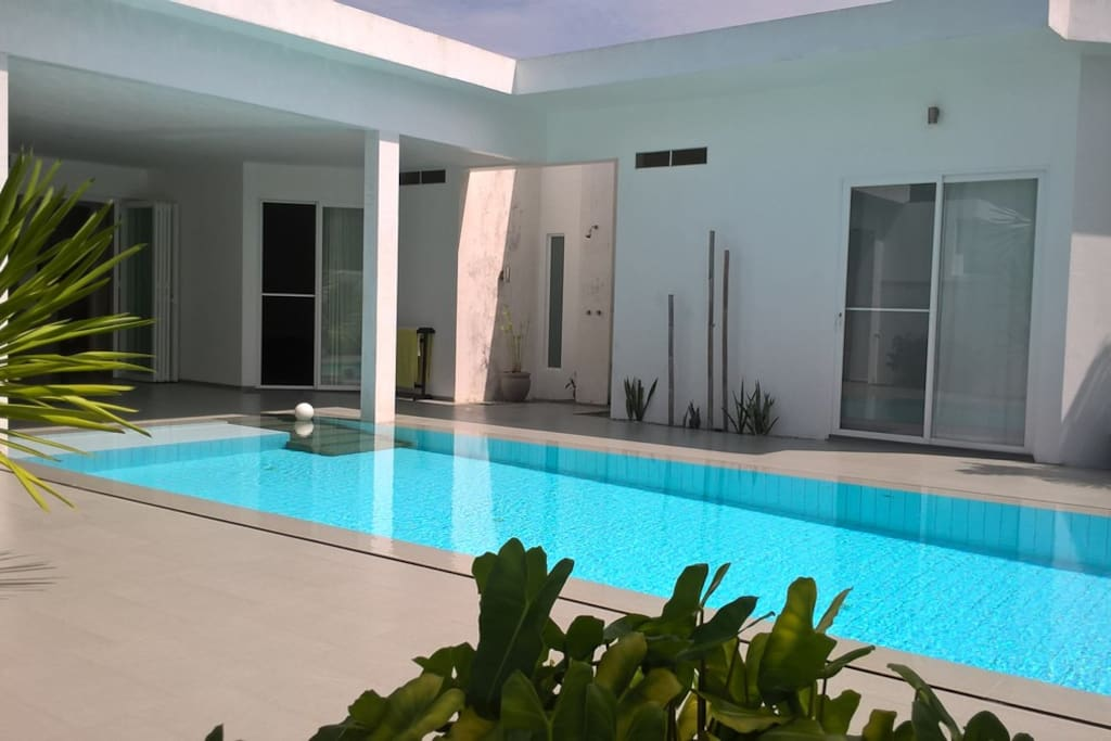 Invinity Pool with Open Air Shower, Guest Room