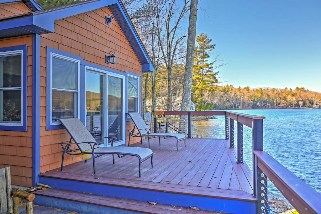 You'll love being situated right on beautiful Lake Buel!