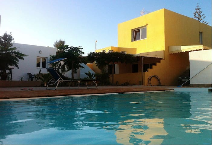 CasAdobe: 1 Bungalow in a beautiful setting (A) - El Salobre