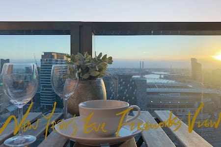 THE Grand Luxe View in Melbourne CBD