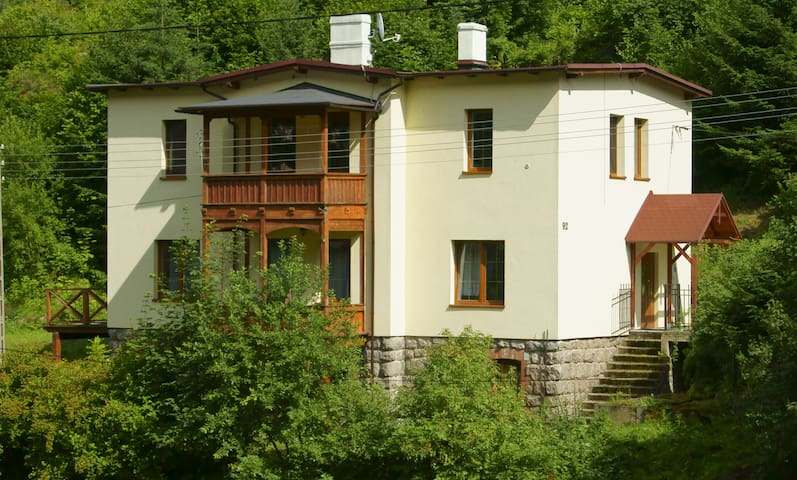 Dom Wrzosówka (The Heather's Haus) - Jelenia Góra - House