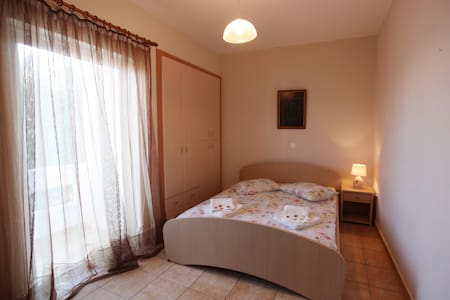 Tolo Apartment for 4 Close to beach - Tolo - Apartment