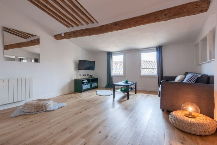 ❤ Air-Conditioned Loft in the Heart of Old Town