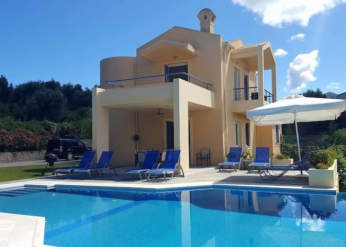 Villa Acacia ~ Gouvia, Corfu - Gouvia - Maison