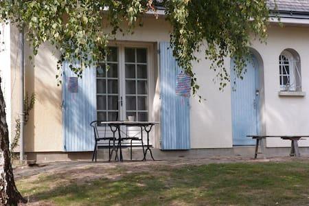 Chambre en bord de Loire, circuit Loire à vélo - Rochefort-sur-Loire