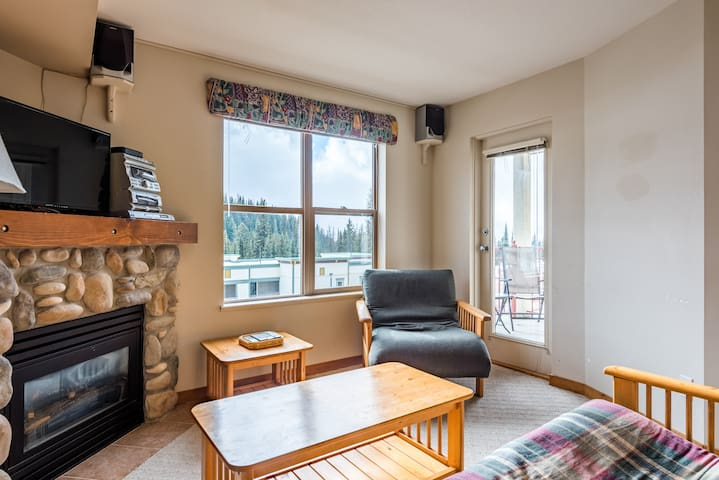 Great Escape Affordable Fully Equipped Condo for 7
