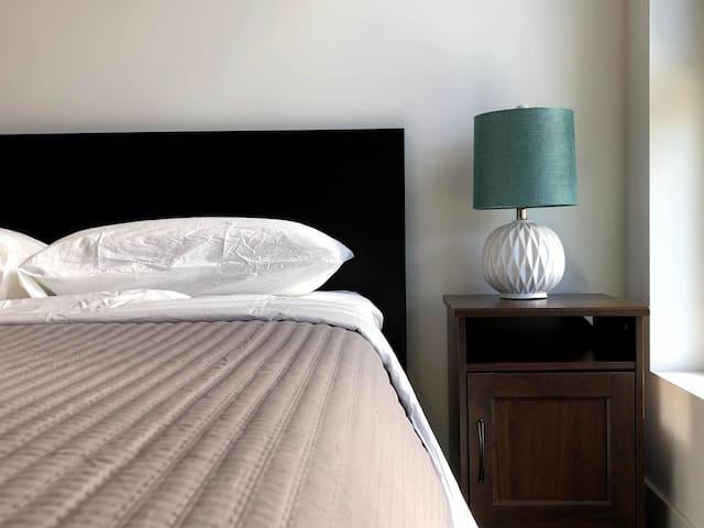 Modern apartment in Vibrant heart of Glendale