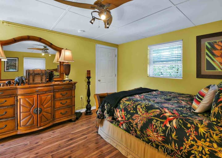 Quaint 1 bedroom kitchenette near Nokomis Beach