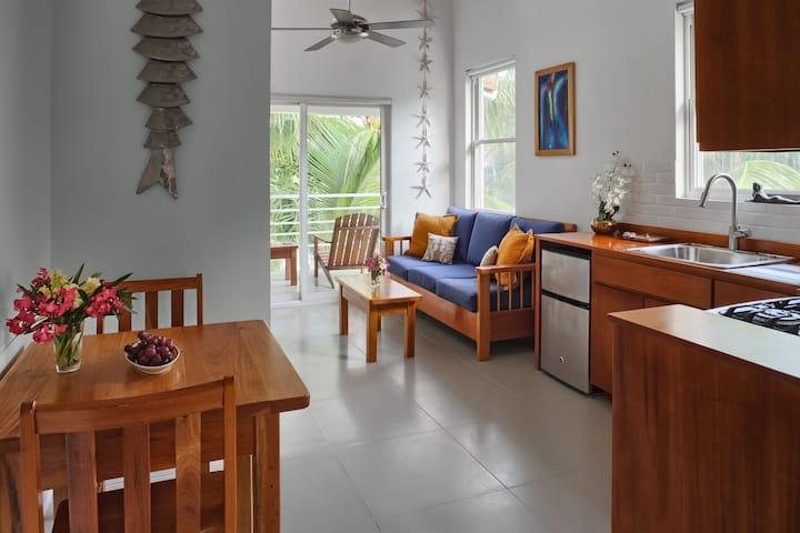 Weezie's Oceanfront Hotel Loft Studio