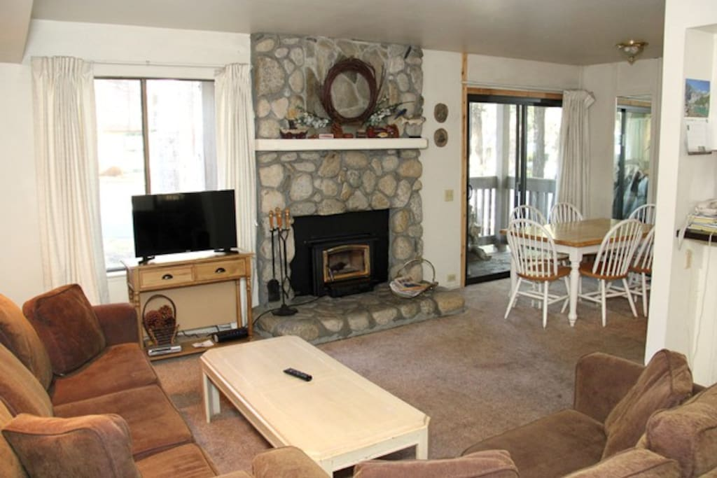 Mammoth Lakes Rental Sunshine Village 137 - Open Area Living Room Towards Dining Area