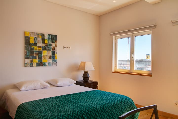 Alfama Studio with Amazing views of River Tejo