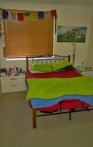 2 bedroom apartment for 2-4 guests - Manly Vale