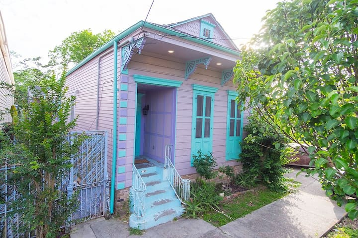 Cozy Bayou St. John Guesthouse Centrally located!