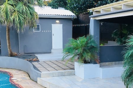 Modern Studio Apartment - Durban North