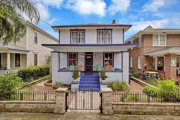 Large historic house w/deck & porch!