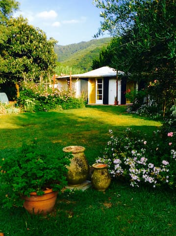 Cottage in a garden - Ameglia - Bungalow