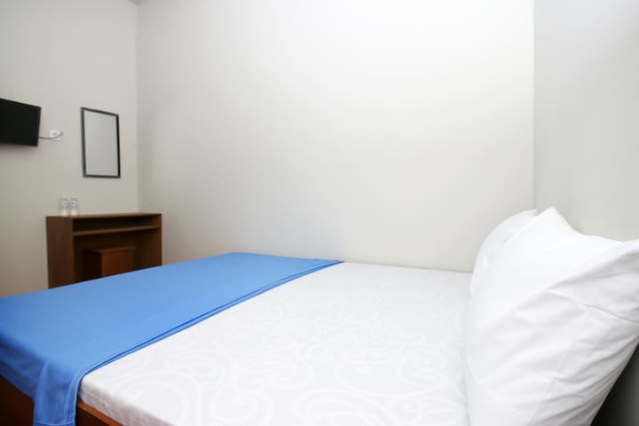 Cozy Guest House Private Room RS Fatmawati