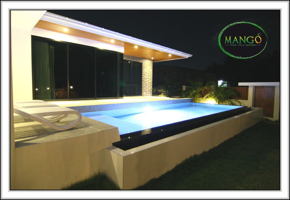 The LED lights, tiles and luxury stone bring you an unforgettable warm ambiance with cozy feeling. A perfect ways to start and end a day.