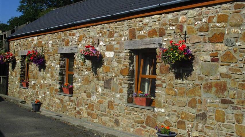 Llanmorlais Farm Cottage