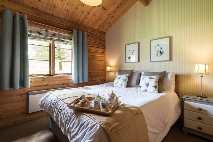 Exclusive Luxury Hot Tub Log Cabin, Mallard lodge
