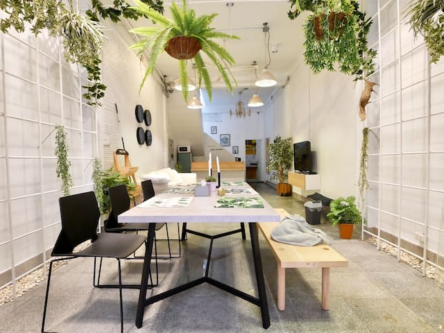 RenovatedTownhome,5min walk BTS,Stay likeLOCAL