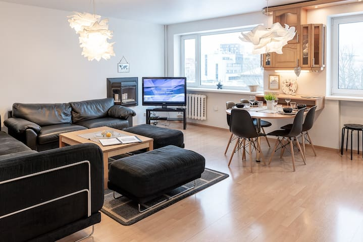 Liivalaia White Residence/free parking/selfcheckin