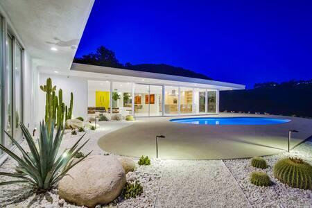 Bel Air Mid-Century Modern Retreat - Los Angeles
