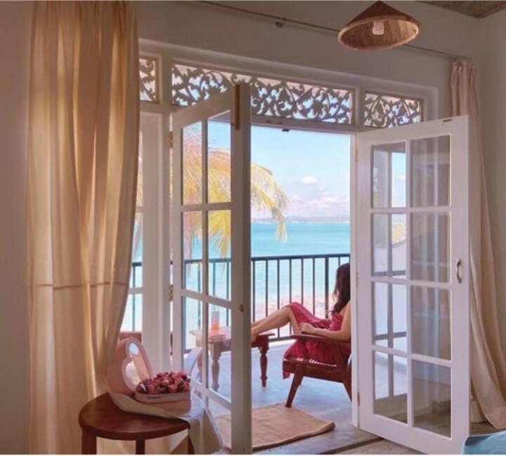 """""""Mamma Mia Mirissa"""" N10, ocean view, AC, breakfast"""