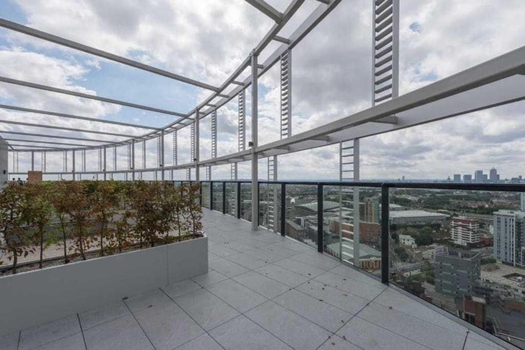 roof top with view to all over London