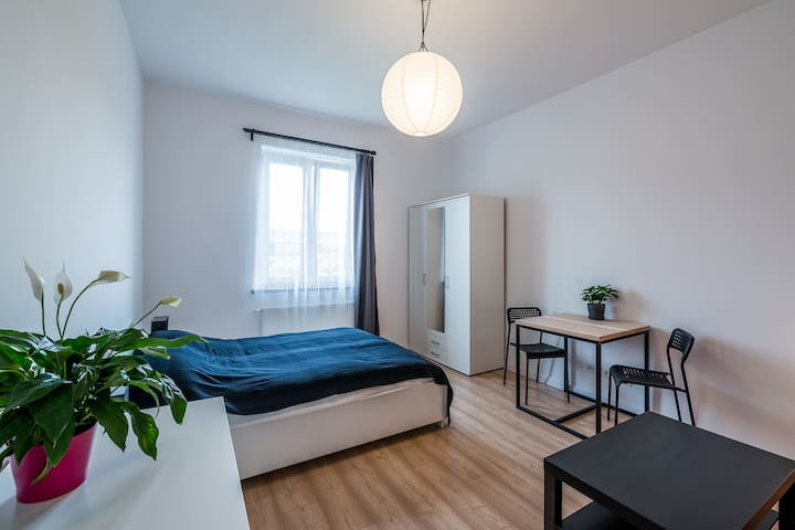 Quiet cosy room in Wroclaw City Center - Вроцлав - Квартира