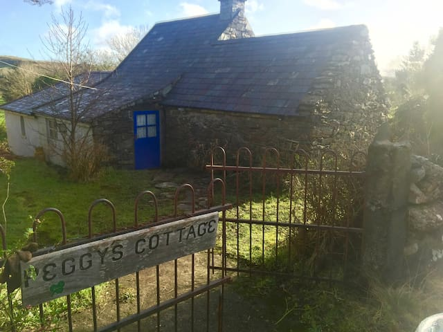 Stone Country Cottage - Durrus