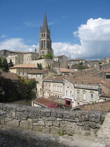 Luxury Maison in Town - Saint-Émilion - Huis