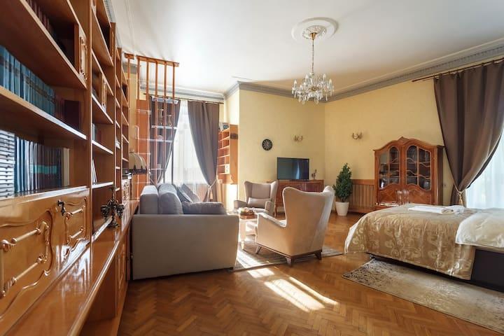Генеральские апартаменты в Сталинской высотке
