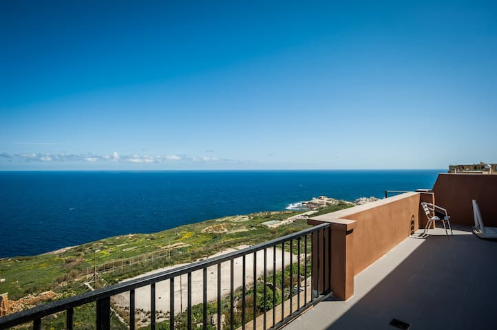 Absolute View Penthouse /w 2 bedrooms