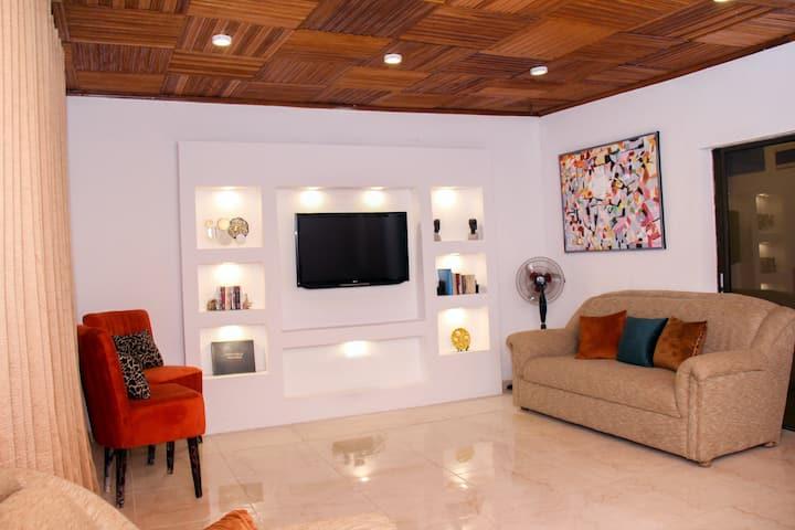 Supreme Stays - 2 Bedroom house Jericho Ibadan