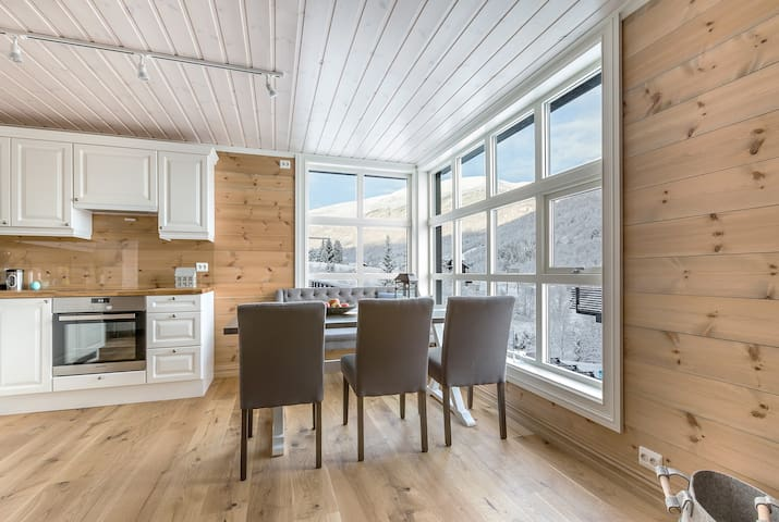 Apartment 604 - 2nd Floor Modern SKI IN Apartments - Stranda