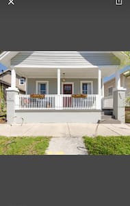 Charming bungalow close to downtown - Tampa