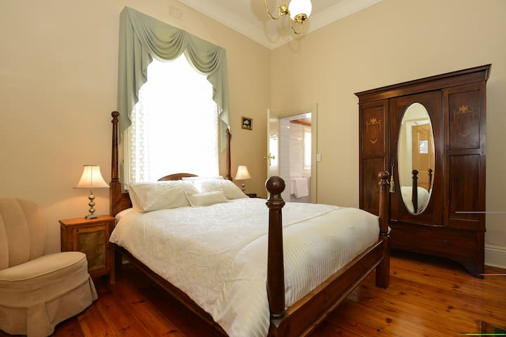 The Strand Bed and Breakfast Port Elliot