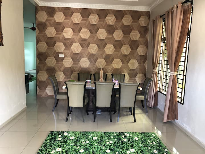 Comfort Homestay26; suitable for big family