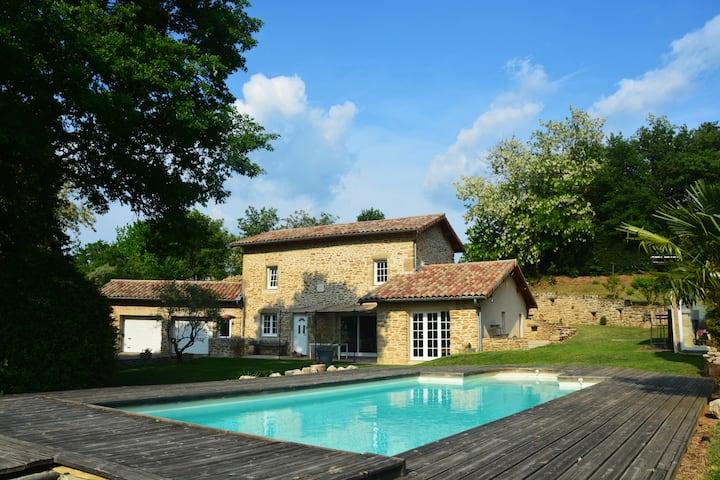 Genissieux : Maison calme en Drôme des collines