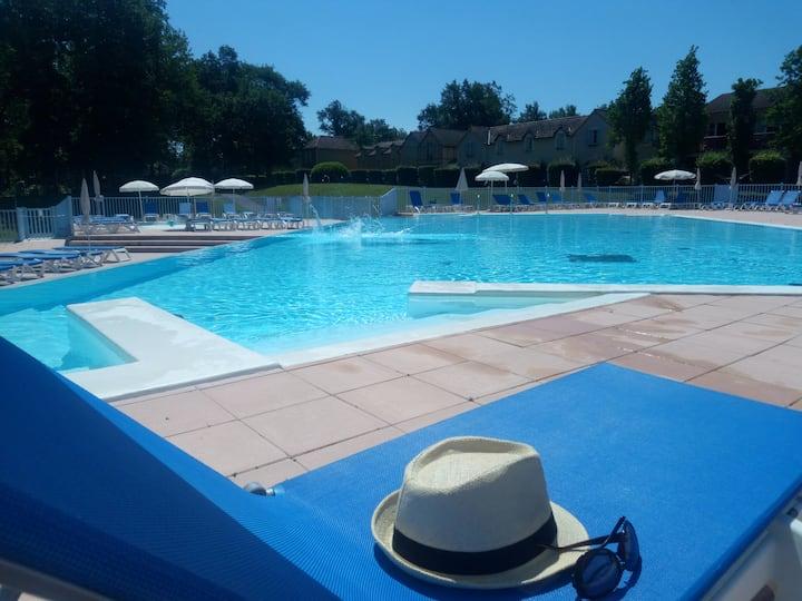 Appartement 5 personnes avec magnifique piscine