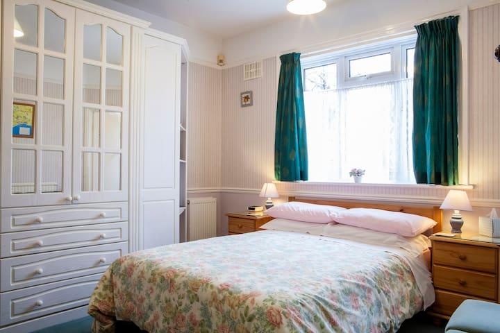 Great Value B & B Great Location Double Room - Bridport - Bed & Breakfast