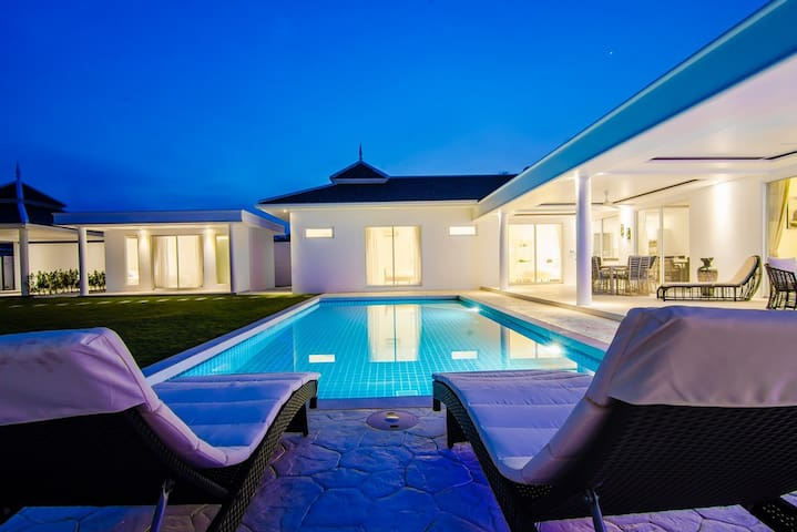 HUA HIN'S MOST EXCITING NEW PRIVATE POOL VILLA - Tambon Nong Kae - House