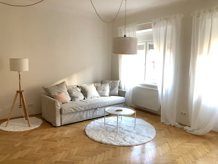 Cosy & brand new furnished business apartment