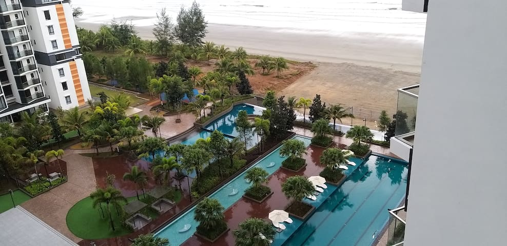 Munchkin - Timurbay Seafront Homestay