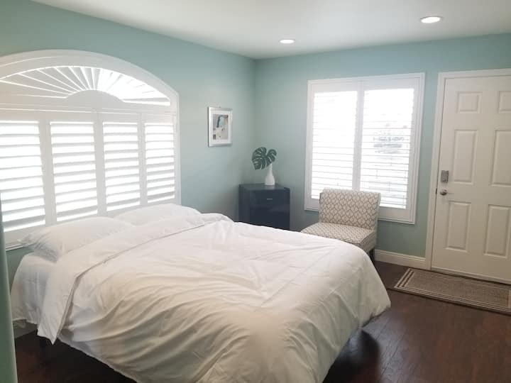 New Private Bedroom(A) in Fountain Valley, CA!
