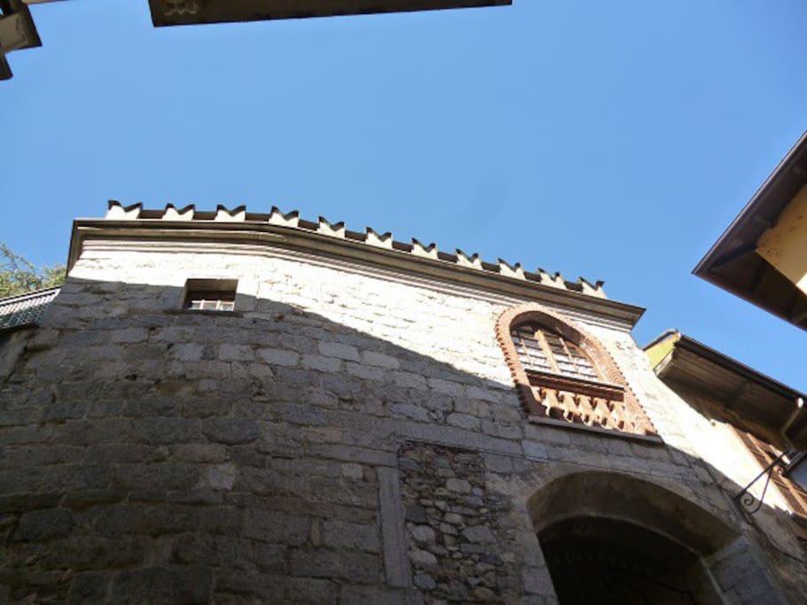 La torre La tour The tower