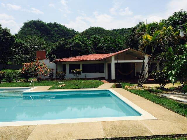 hermosa finca con excelente clima - Apulo - Vila