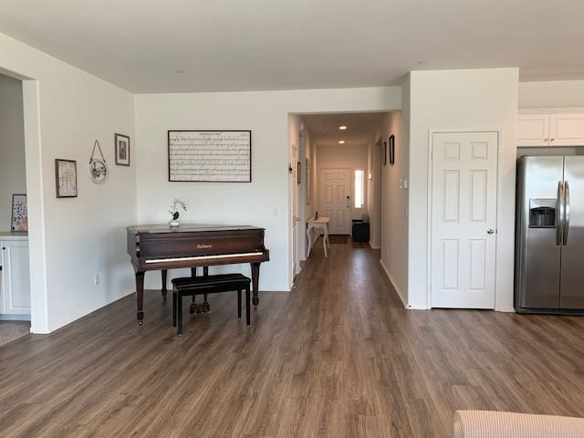 Cozy Place Good 4 Family & Work Near Riverside DT