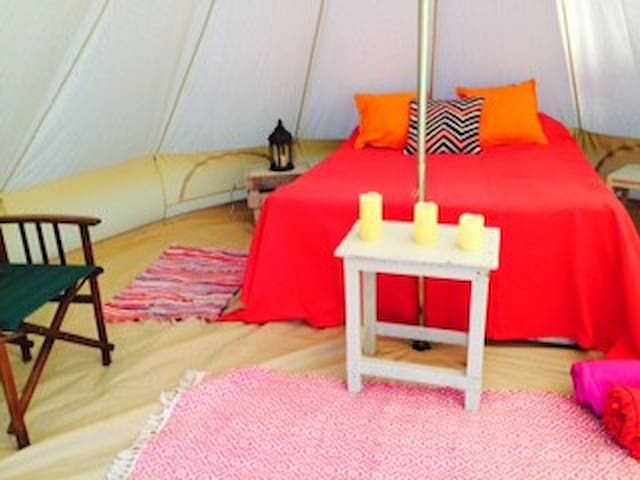 5+ Furnished Bell Tents + 1 Yurt on Magical site - West Firle - Tenda Tipi